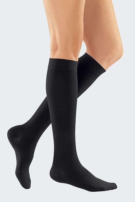 elegant knee socks for venous insufficiency